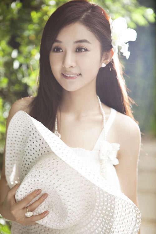 杨幂 赵雅芝/李嘉欣赵雅芝朱茵 古装现代装造型都绝美的女星