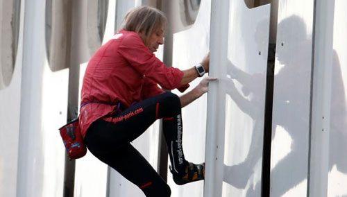 法国蜘蛛侠首次徒手爬上澳门银河楼顶