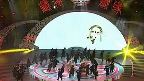 西藏山南:西藏雅砻文化节昨晚开幕 湖南援建体育场成舞台