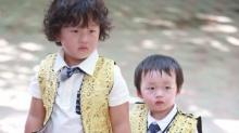 《爸爸3》邹市明带两儿子上新疆 弟弟<B>邹明</B><B>皓</B>酷似迷你版胖轩