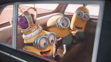 """《小黄人大眼萌》""""<B>三剑客</B>""""为香蕉变盗贼窃英女王王冠"""