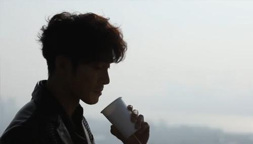 李廷峰 - 《爱情_Shararala》MV