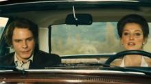 《极速风流》:兔牙加盟<B>法拉利</B> 乡村公路带女神飙车